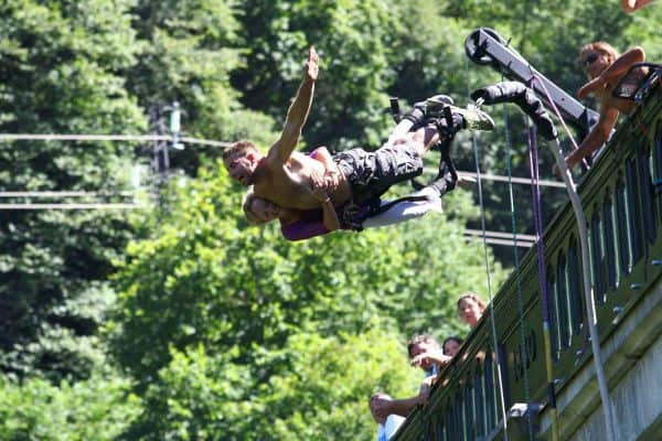 saut à l'élastique en tandem pont napoléon pyrénées